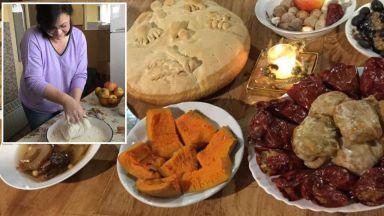 Корнелия Нинова в кухнята в очакване на Рождество (снимки)