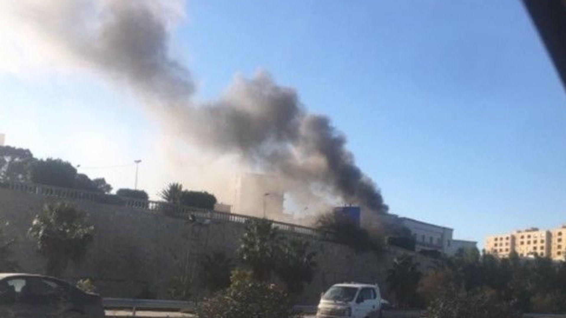 Трима загинаха при атака на либийското външно министерство