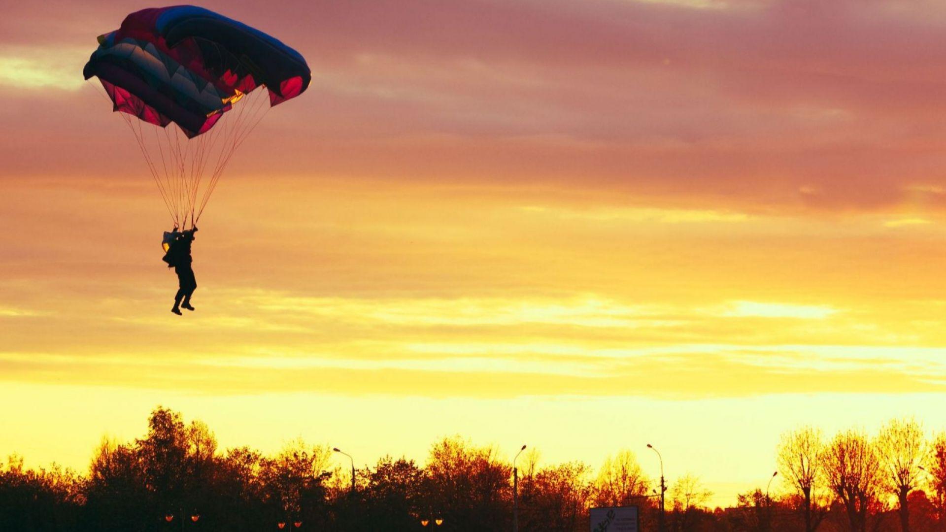 Гръцки парашутист пострада тежко след скок от 3000 метра край Монтана
