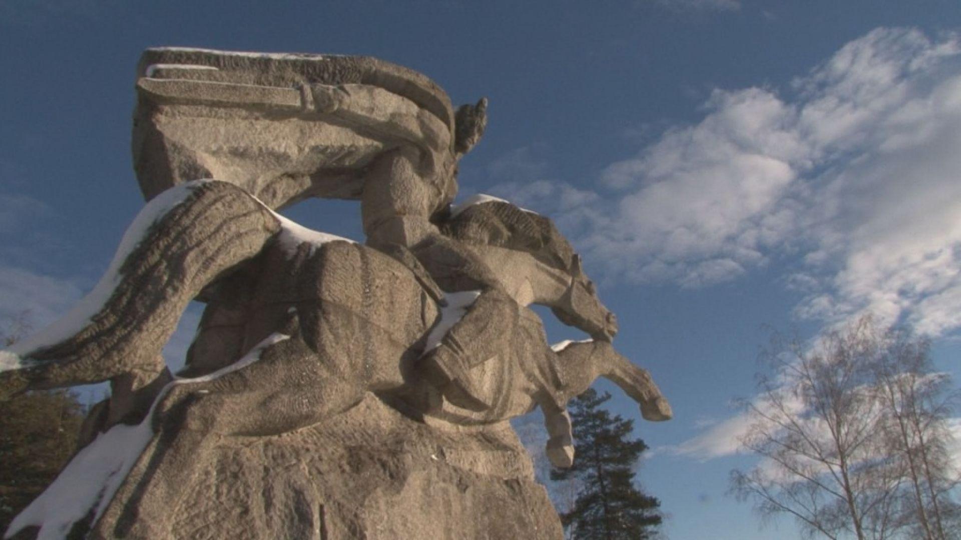 Родолюбиви българи спасиха паметника на Бенковски в Копривщица