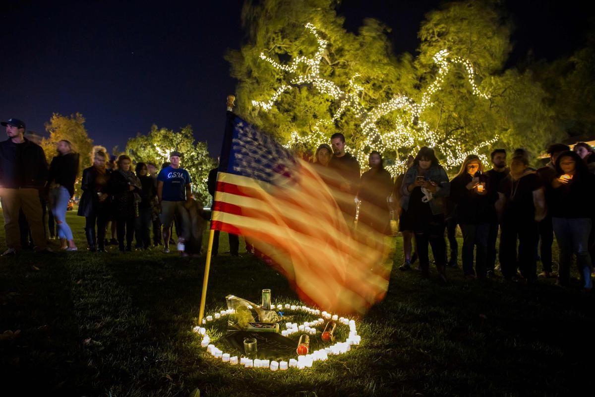 Бдение за 13-те жертви при стрелба в бар в Южна Калифония на 7 ноември