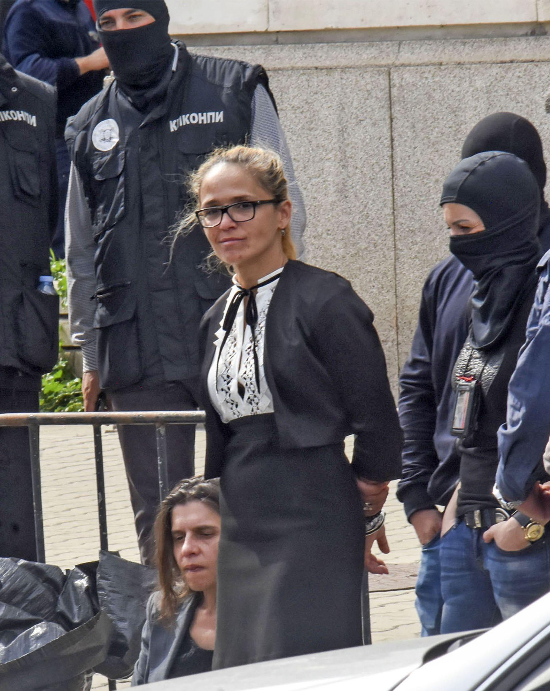 """Зрелищният арест на кметицата на столичния район """"Младост"""" Десислава Иванчева през април"""
