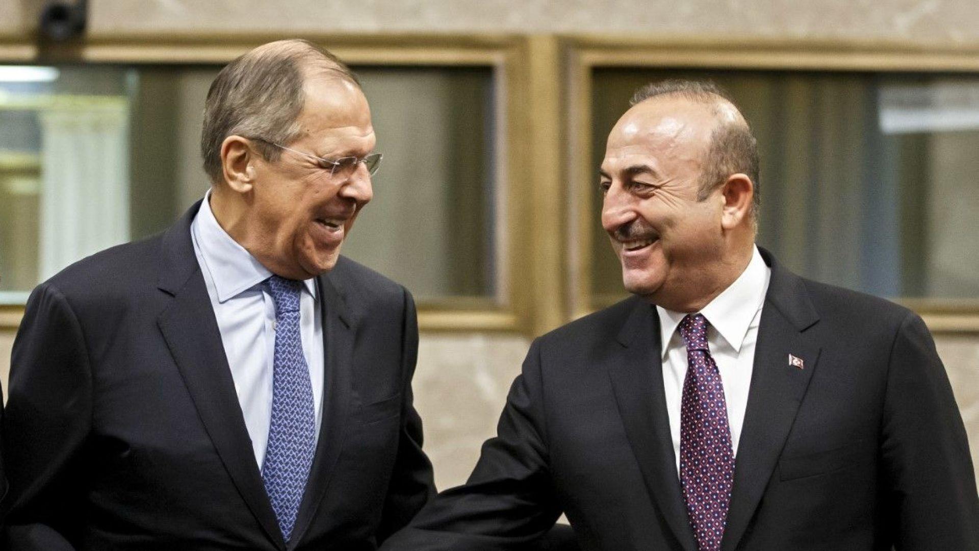 """Москва и Анкара ще си партнират """"на терен"""" в Сирия след изтеглянето на US войниците"""