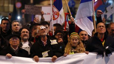 Десетки хиляди сърби протестираха срещу Вучич четвърта поредна събота
