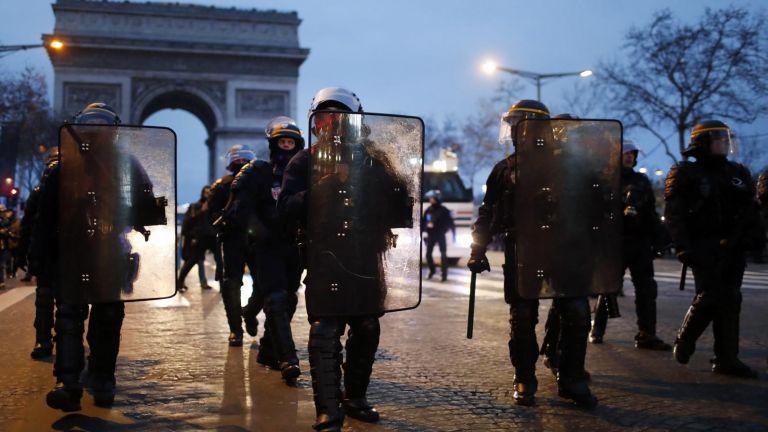 148 хиляди полицаи мобилизирани във Франция