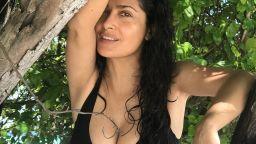 Тайните за красота на младоликата Салма Хайек (52)