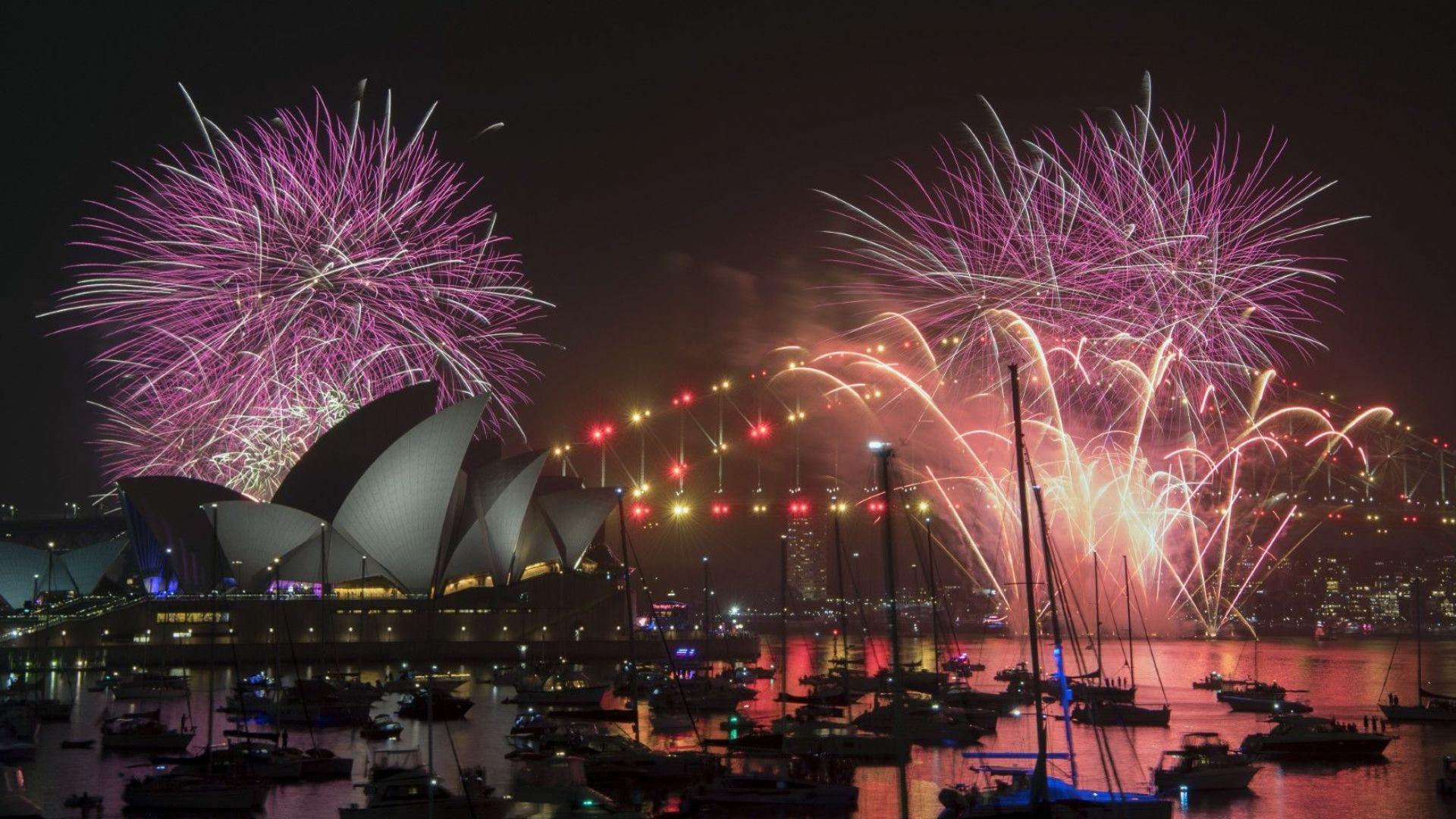 Самоа, Кирибати, Нова Зеландия, Австралия първи посрещнаха Новата година