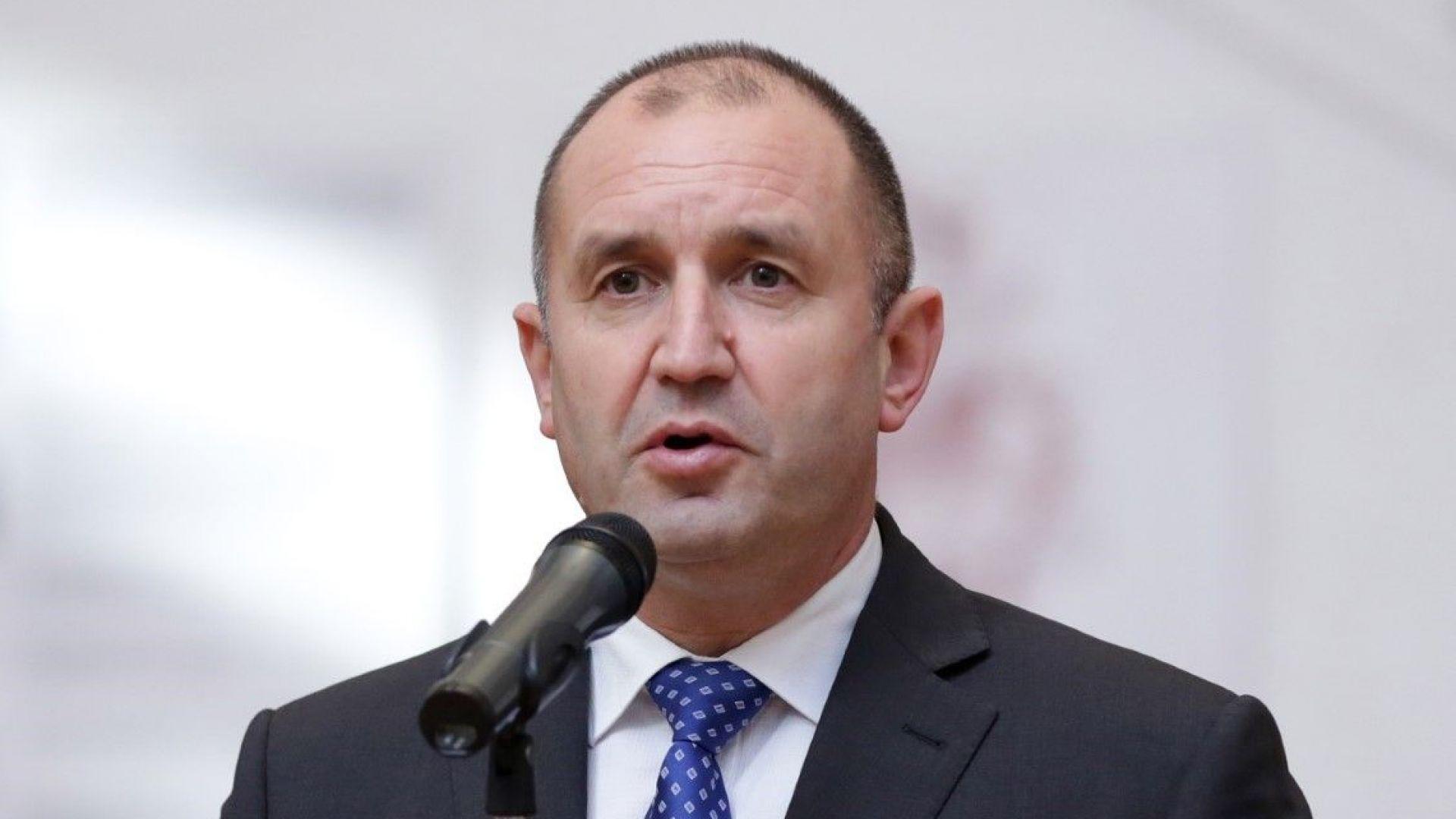 Румен Радев не се съгласи летище София да носи името Желю Желев