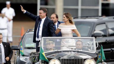 """Новият президент на Бразилия позира в """"Ролс-Ройс"""" и встъпи в длъжност"""