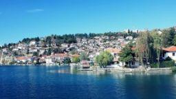 Разрушават заведенията по брега на Охридското езеро