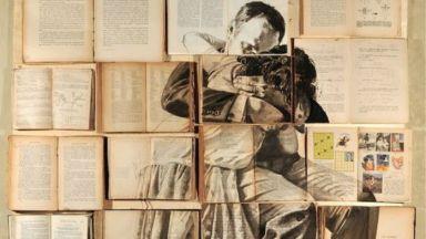 Художничка създава живописни платна върху стари книги