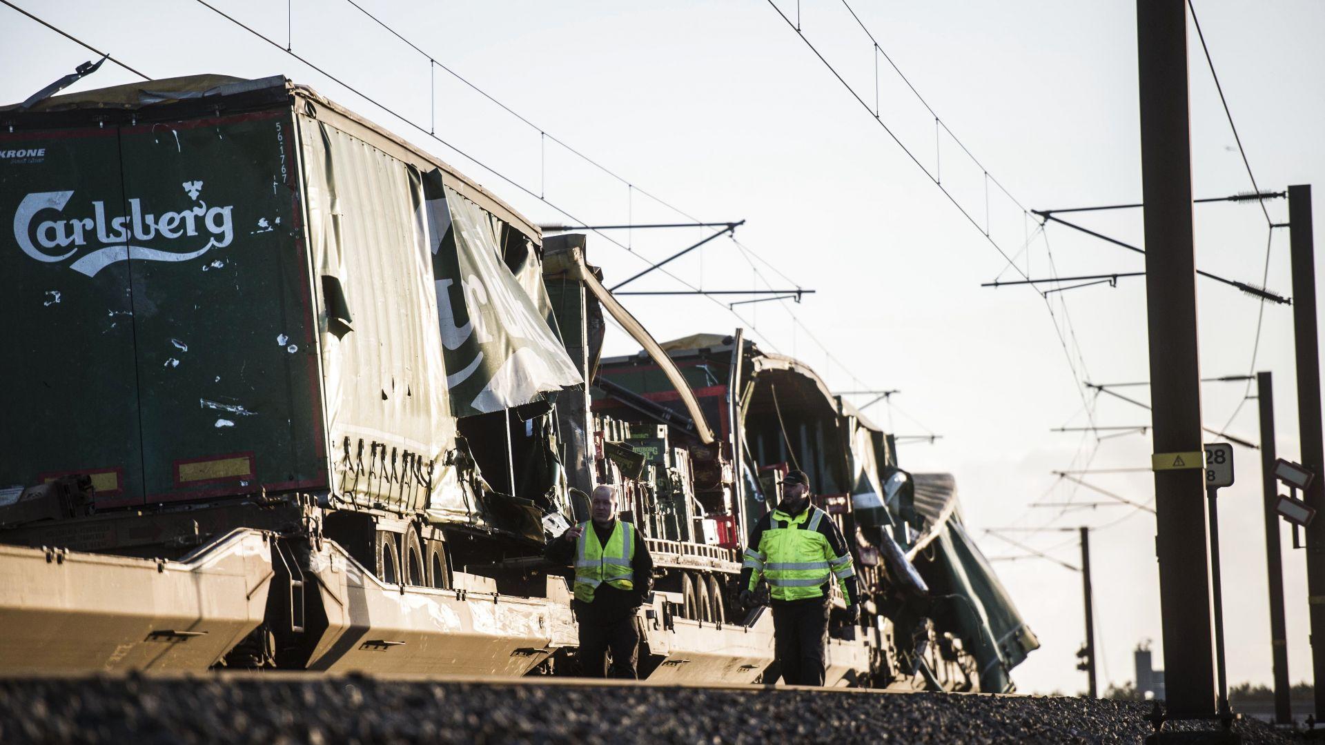 Железопътна катастрофа на мост в Дания, 6-ма са загинали (снимки)