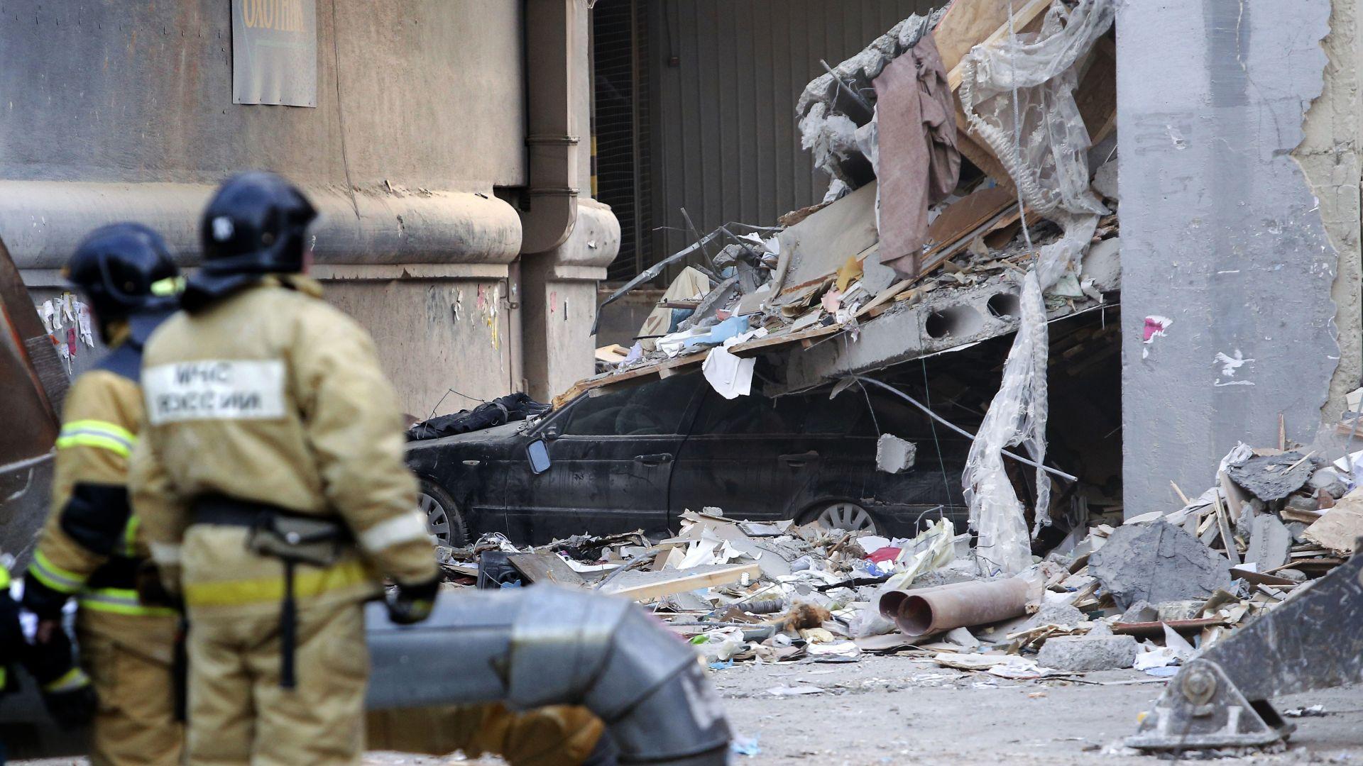 Един загинал при нов взрив на газ в руски град, издирват още 15 души