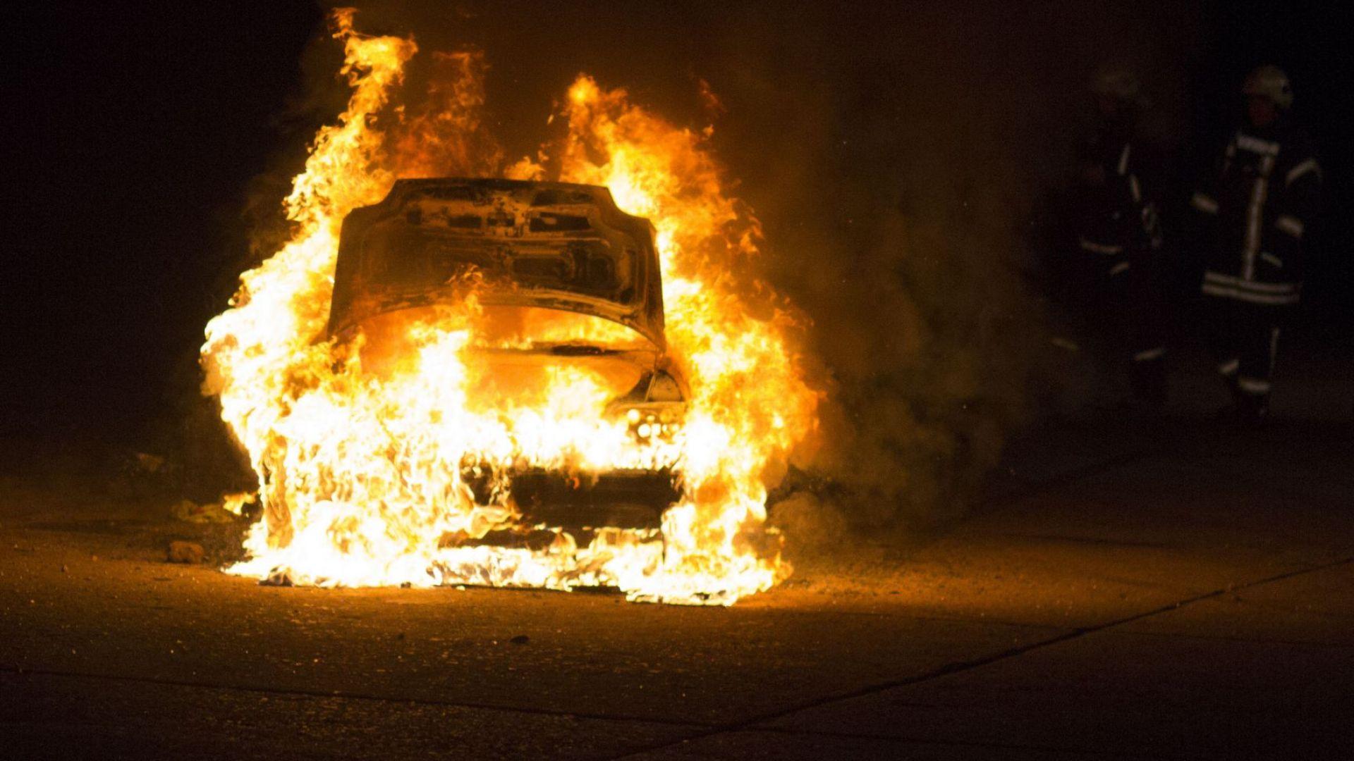Подпалиха 6 коли в Перник, 4 от тях - луксозни джипове