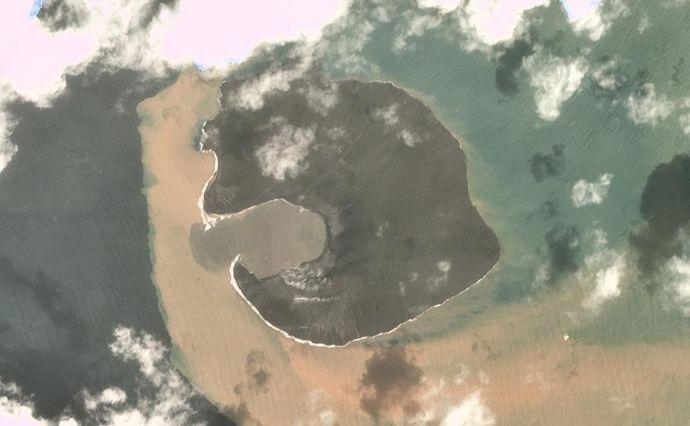 Вулканът след изригването му на 22 декември