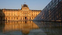 Лувърът поведе световната класация с рекордните 10 милиона посетители