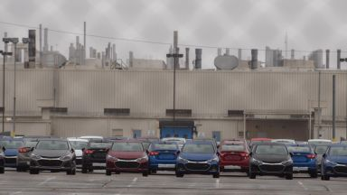 Електромобилите в Дженерал мотърс може да означават по-малко работни места