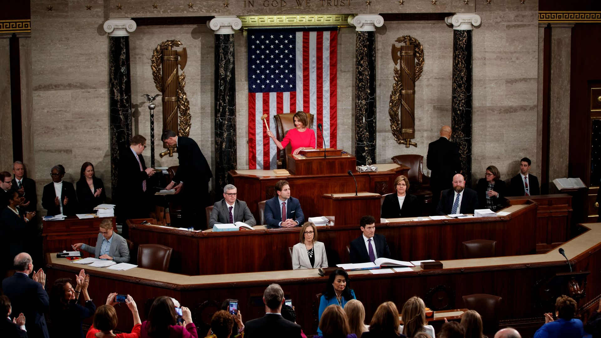 Долната камара в САЩ одобри бюджета на правителството, но без стената с Мексико