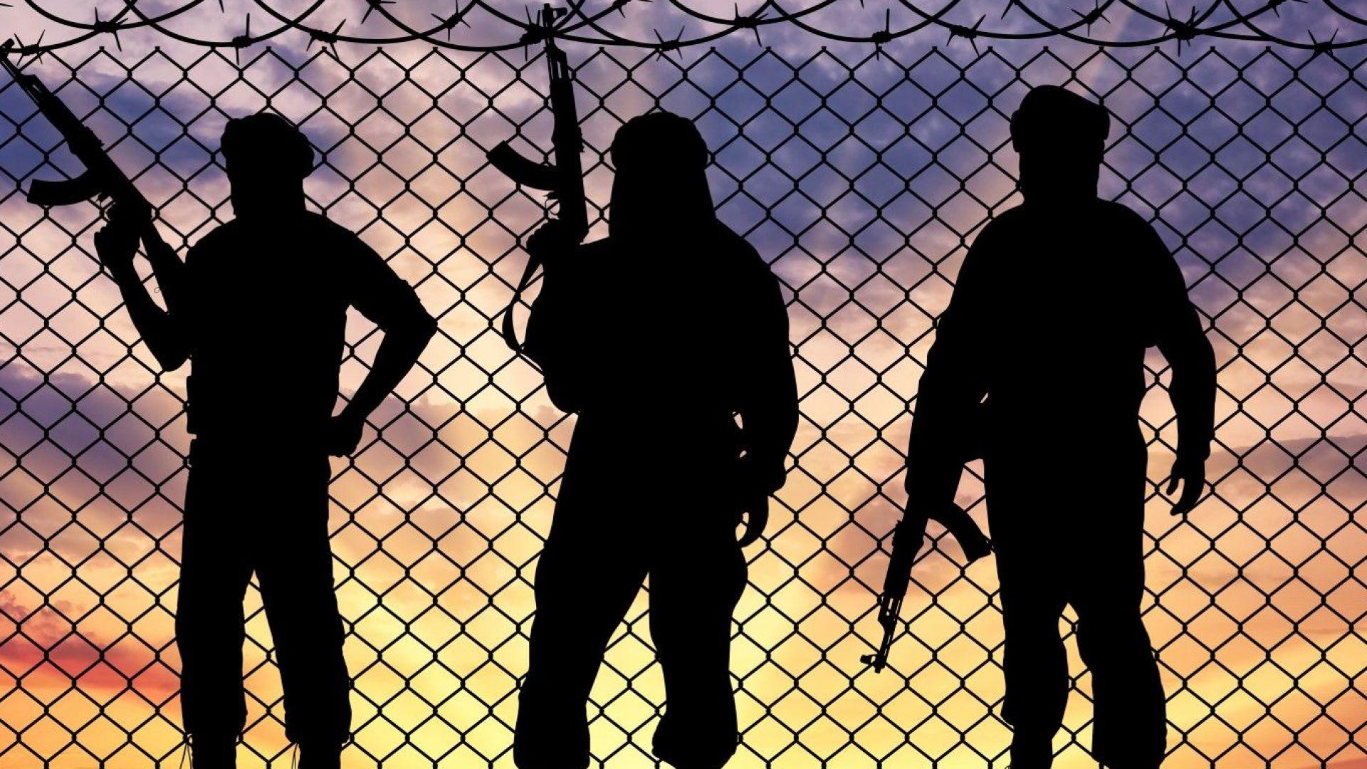 Британски вестник: Бойци на ИД могат да атакуват курорти в Африка и Азия
