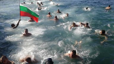 Военни водолази ще пазят скачащите във Варна на Йордановден