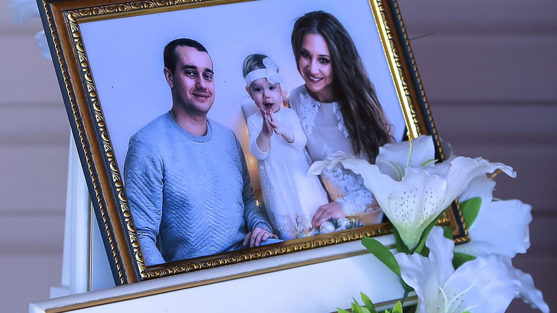Москва: Няма следи от взривни вещества в срутения блок в Магнитогорск