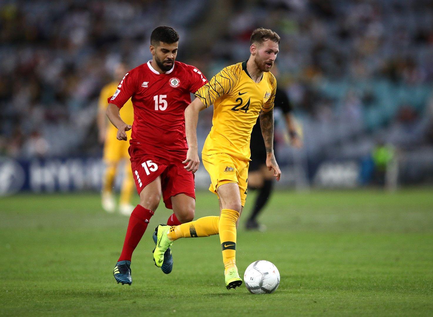 Самир Аяс (червено) е роден в София