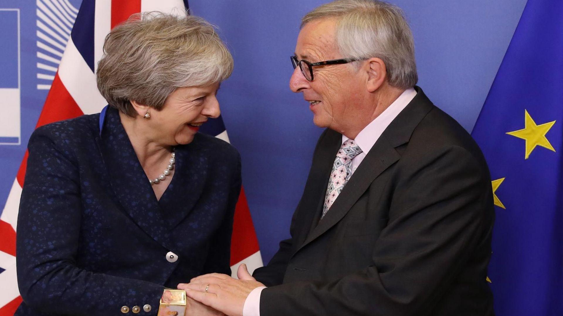 Тереза Мей е провела телефонен разговор с председателя на Европейската