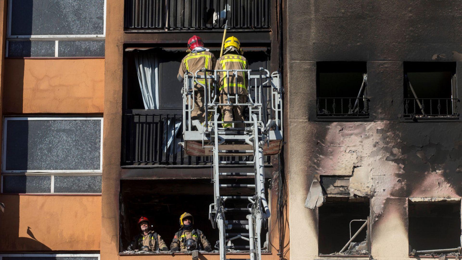 Пожар в сграда взе 3 жертви в Каталуния