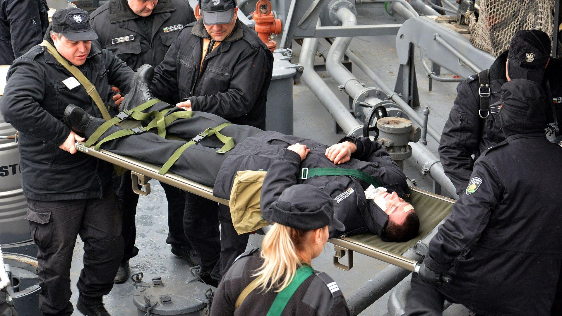Военно учение на Дунав: Терористи завладяват кораб