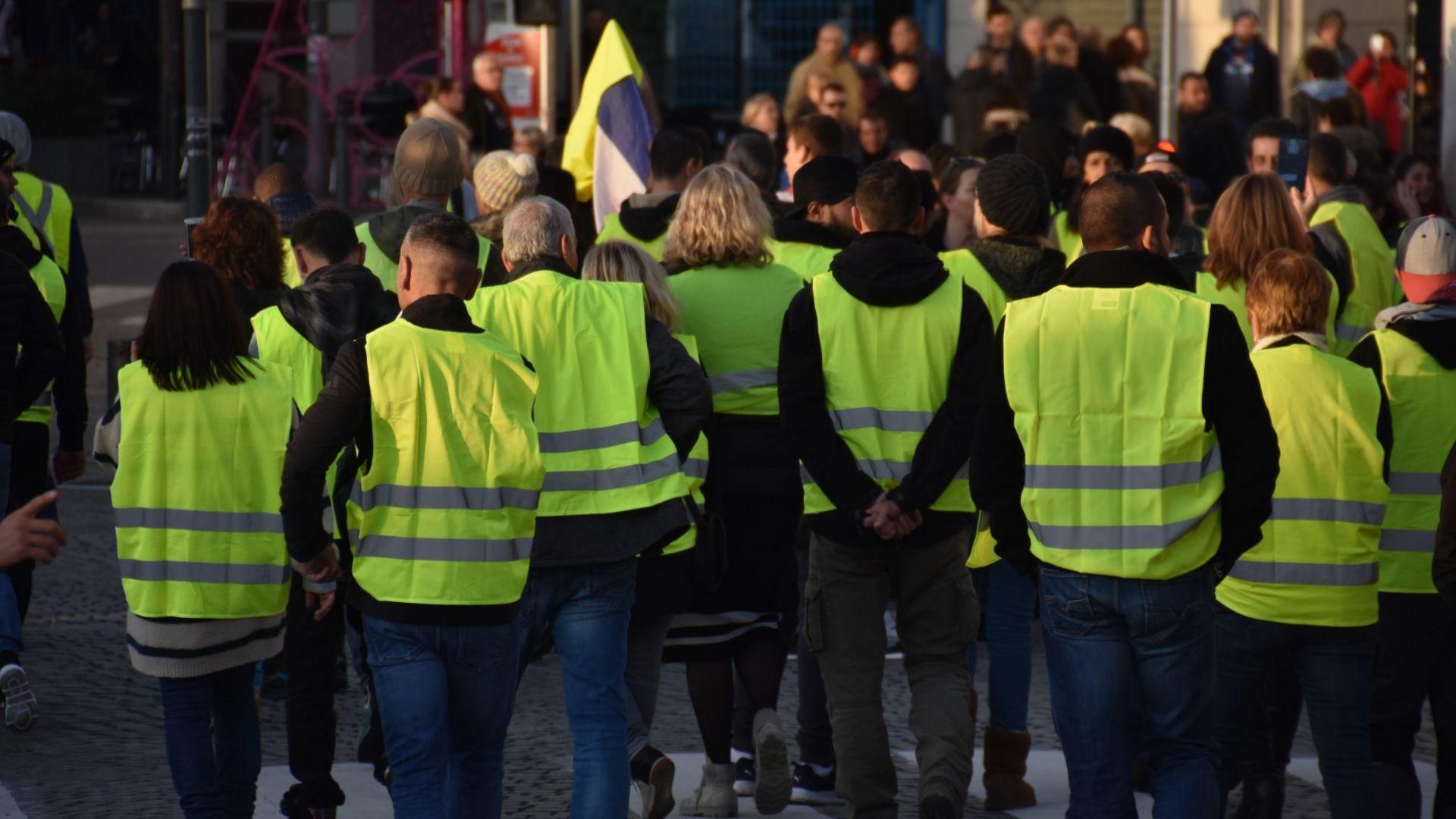 """""""Жълти жилетки"""" излизат на """"незабавни и безкрайни"""" протести у нас"""