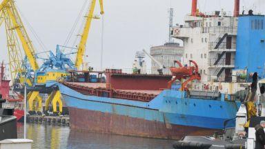 """Танкерът """"Бадр"""" ни въвлече в дипломатически скандал с Либия"""