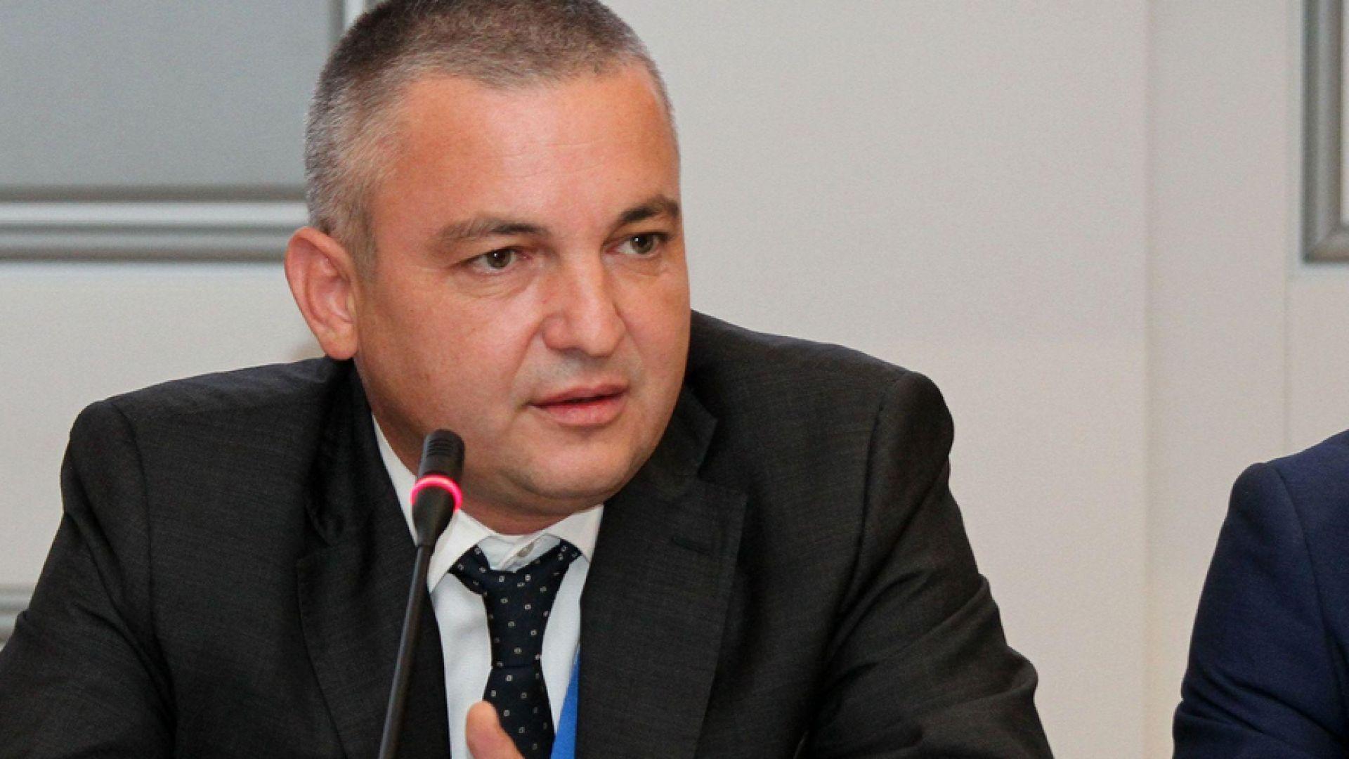 """Укрепване на свлачището при """"Трифон Зарезан"""" ще отвори панорамния път за Златните"""