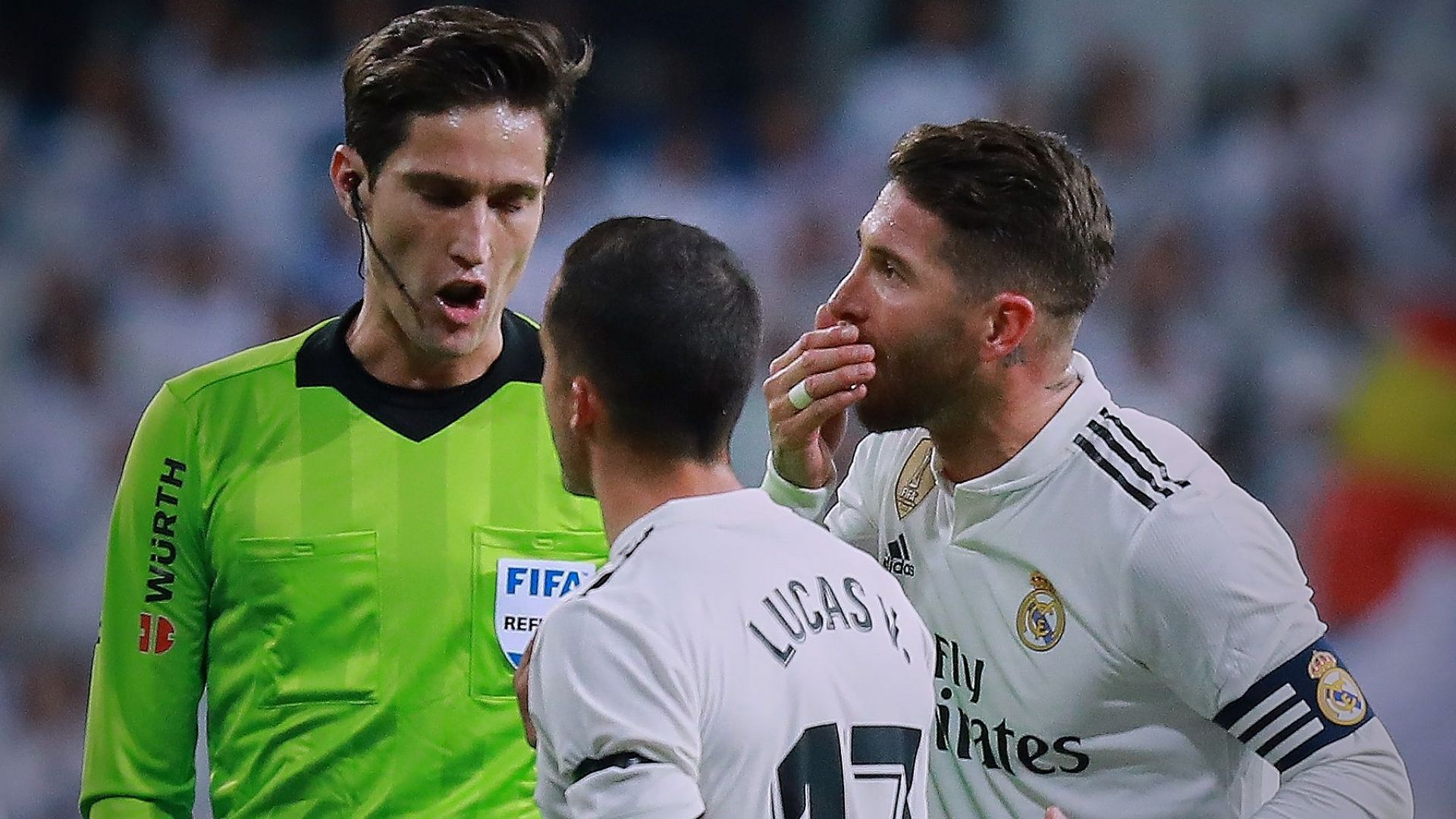 Скандал: Съдия се радва на гол срещу Реал? (видео)