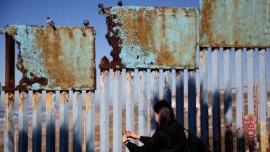 Може ли Тръмп да обяви извънредно положение, за да построи своята стена?