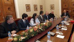 Румен Радев подкрепи превозвачите след среща с тях в президентството