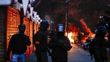 "Дарения за ""жълта жилетка"", ударил жандармерист, възмутиха политици и полицаи"