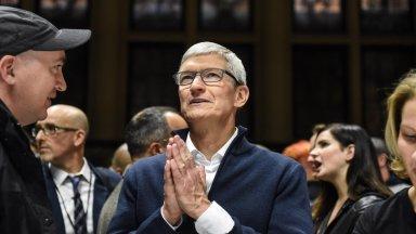 Каква е заплатата на шефа на Apple?