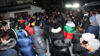 МО: Рецидивист от ромски произход нападна с брадва военни курсанти