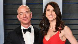 Бившата съпруга на Джеф Безос е най-богатата жена в САЩ