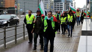"Българските превозвачи заградиха площад ""Люксембург"" в Брюксел"
