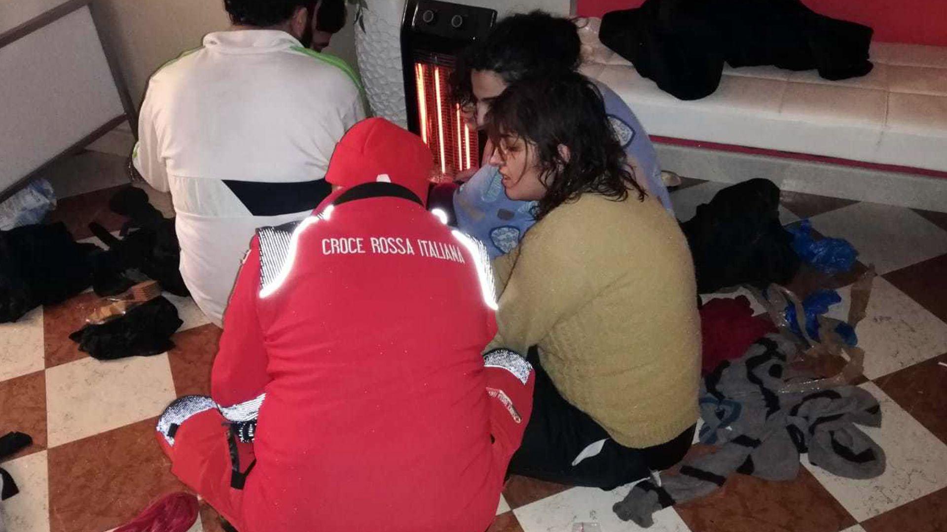 Първи мигранти за годината в Италия, пристигнали с платноходка