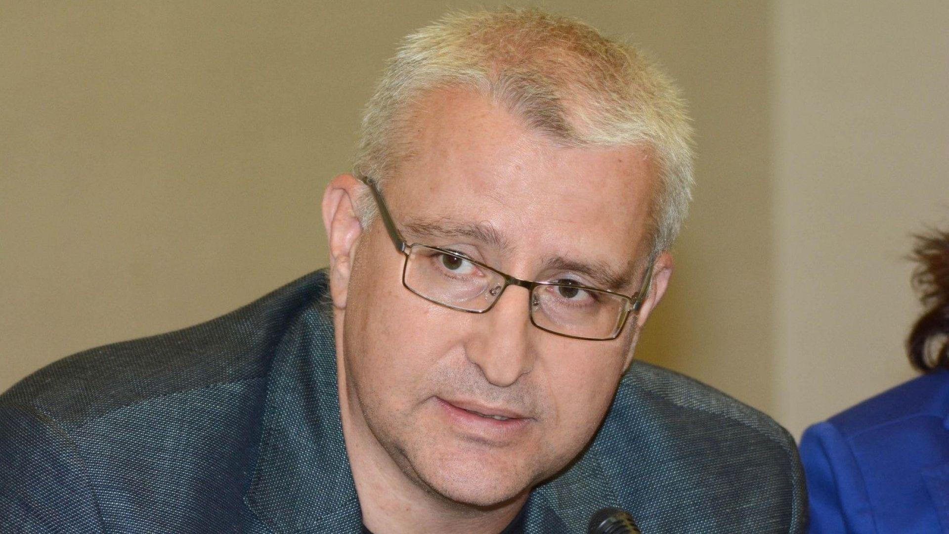Светослав Малинов се застъпи пред ЕК за Десислава Иванчева