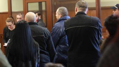 След 4-часово заседание свидетелите по КТБ остават зад решетки