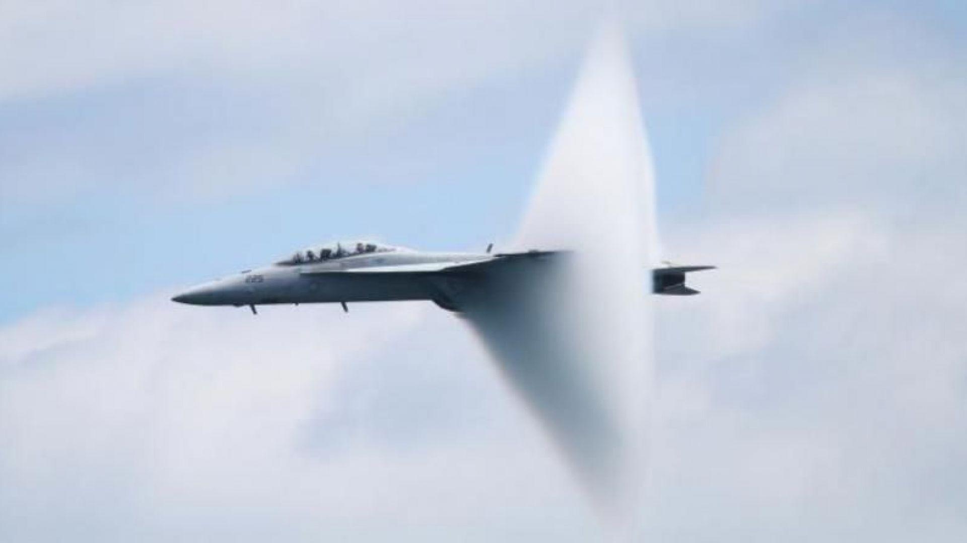 Япония прави ударни самолети за електронна война