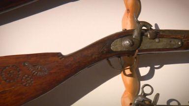 Пушката на Левски и още 300 оръжия в уникална колекция
