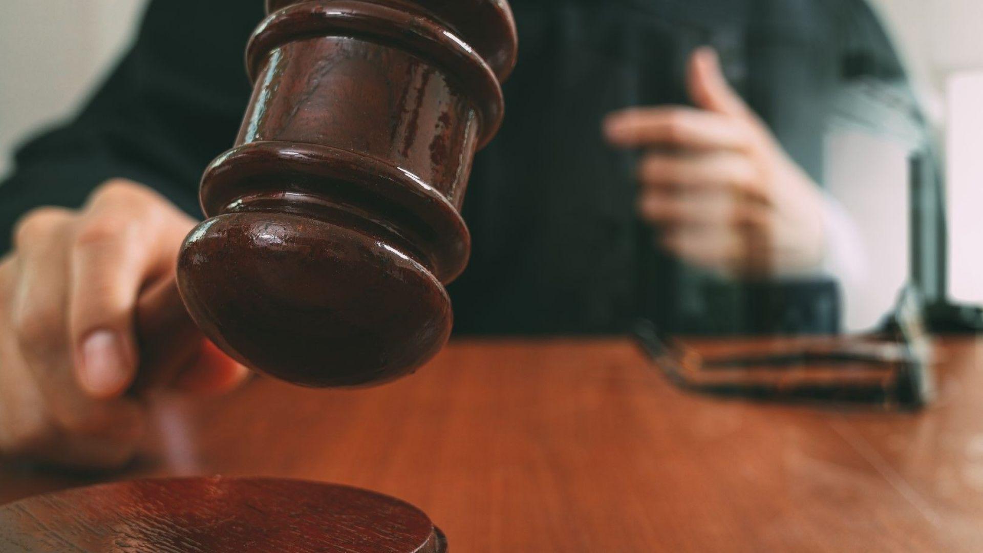 Осъждан 26 пъти остава в ареста за кражба на 8 джанти и 8 гуми