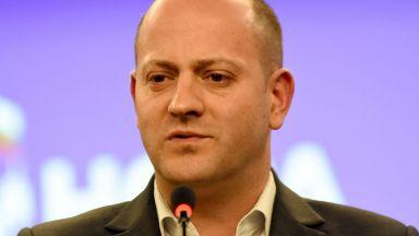 """Радан Кънев: Ромската тема """"избухва"""", когато наближат избори"""