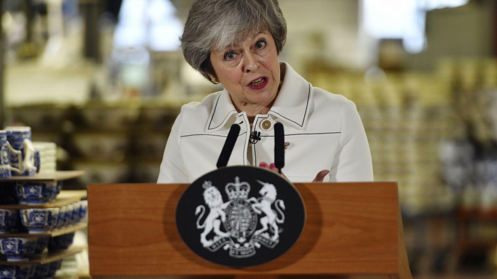 Мей към депутатите:  Без сделка за Брекзит, Обединеното кралство ще се разпадне