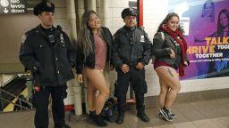 Стотици се събуха за Деня без панталони в метрото