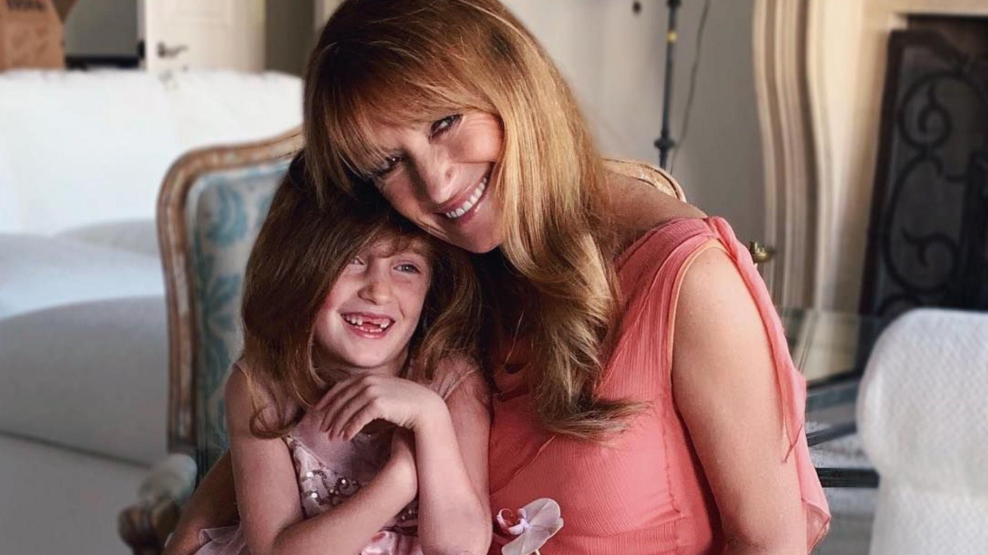 Джейн Сиймор с внучката си Уила